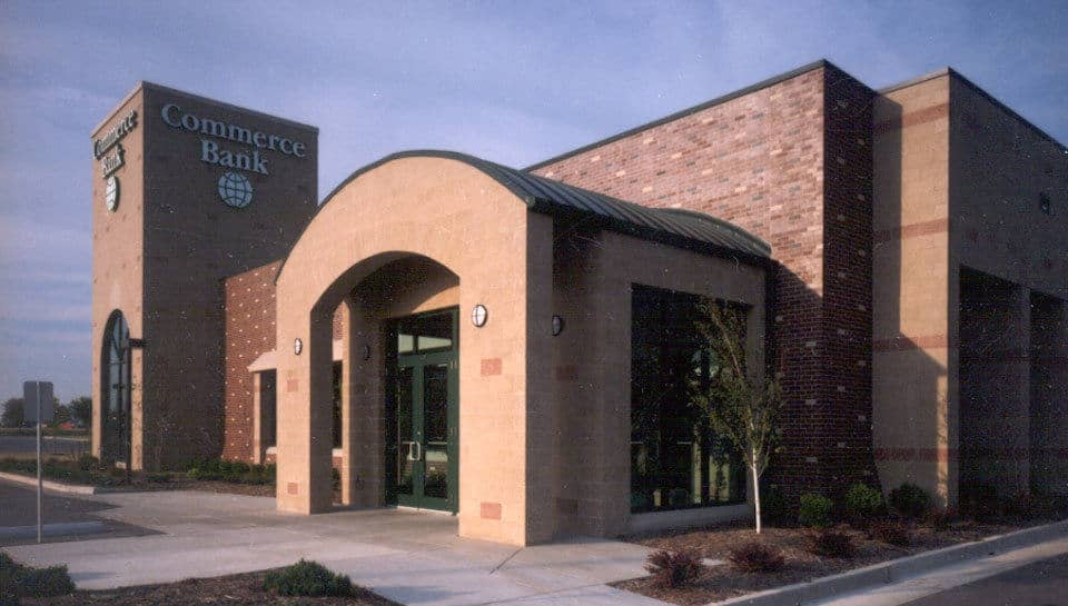 Commerce Bank, Columbia, Missouri, photograph by Deanna Dikeman.