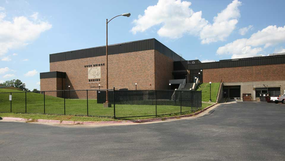 The 25,846 sq. ft. gym addition at Rock Bridge High School includes an Auxiliary Gym, Weight Room, Wrestling Room, Varsity Football Locker Room and three team locker rooms.