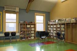 As students move their chairs across the bio-based tile floor teachers have an opportunity to talk about rapidly-renewable materials. Low-e, double-glazed, argon-filled windows provide natural light and exterior views while serving as a visible example of energy efficiency.